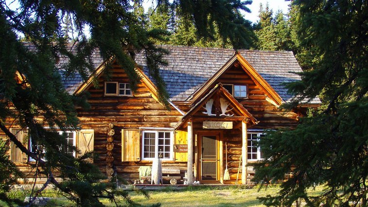 North America's Best Hike-In Lodges