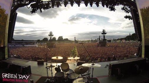 65,000 Green Day Fans Sing Bohemian Rhapsody