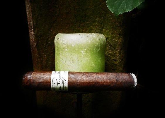 Cigar Minimalism – bourbonveachdotcom