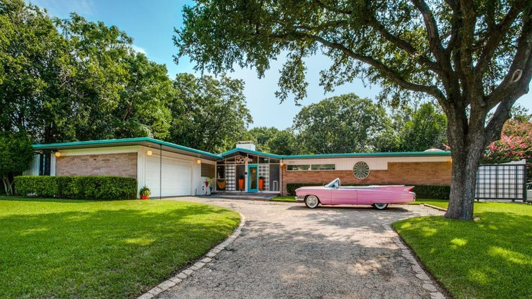 Swell midcentury time capsule house in Dallas lists for $665K - Curbed