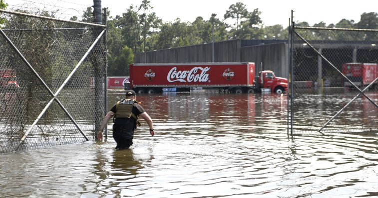 In city with no water, two men get Coca-Cola's permission to steal it