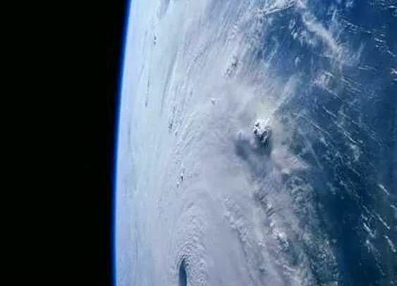 Stunning view of Hurricane Irma as a Cat 5!