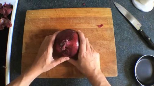 7 Ways to Chop an Onion: You Suck at Cooking