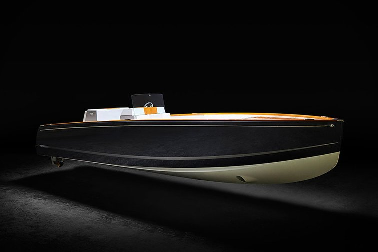 Hinkley Dasher Electric Yacht | Uncrate