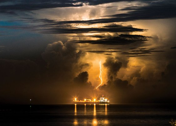 Lightning storms triggered by exhaust from cargo ships | New Scientist