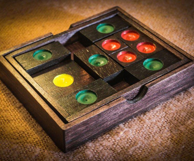Knun Phaen (Klotski) Puzzle: 19 Steps