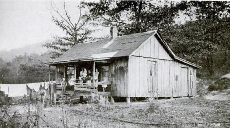 Why Early Appalachian Settlers Originally Celebrated Christmas in January