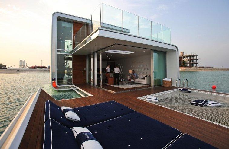 All Aboard! 15 Amazing Houseboats, Boatels