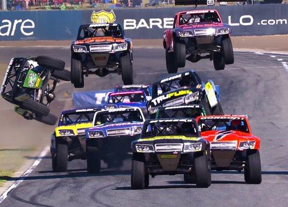 2017 Stadium SUPER Trucks Highlights - YouTube