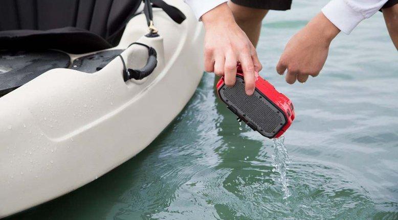 Waterproof Bluetooth Speaker with 2200mhAh Power Bank