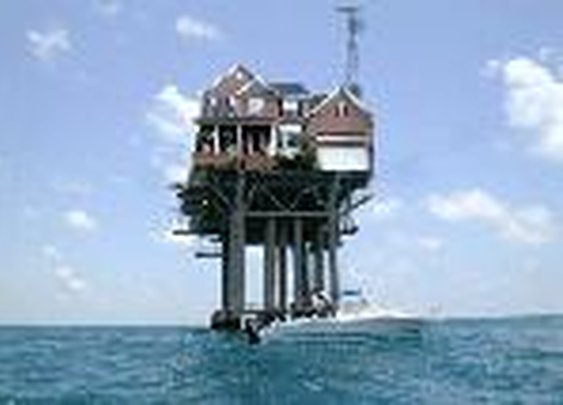 Oil Rig House