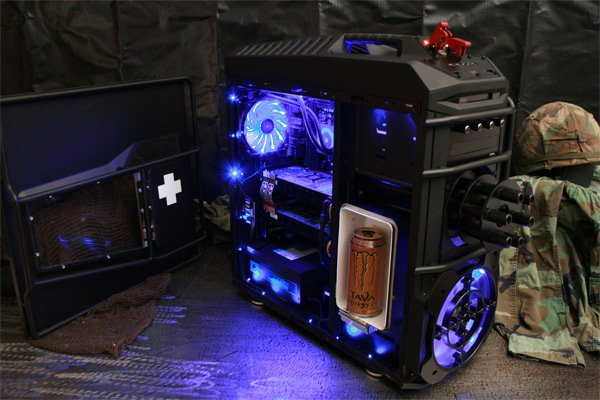 Battlefield 3 Gaming PC Case Mod With Beer Fridge and Mini