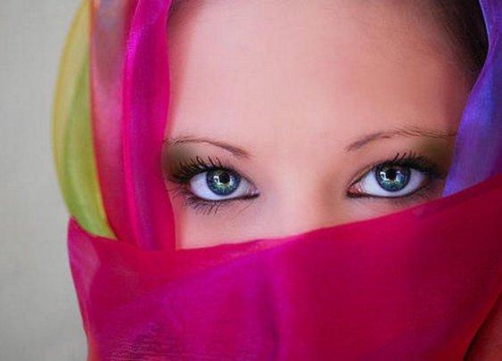 damn those eyes!