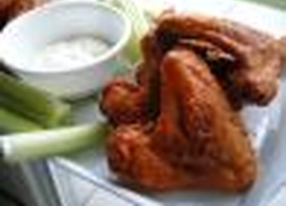 Hooters Buffalo Wings Recipe via Food.com