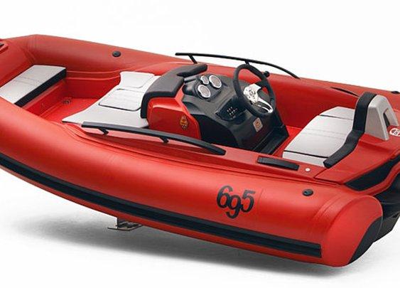 SACS Abarth 695 Tribute Ferrari Speedboat