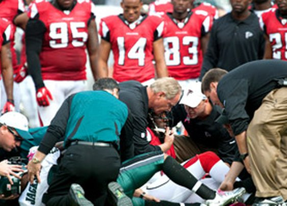 CTE, the concussion crisis, and an economic look at the end of football - Grantland
