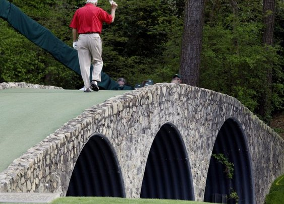The Kings last walk over Hogan's Bridge (Amen Corner - Augusta National)