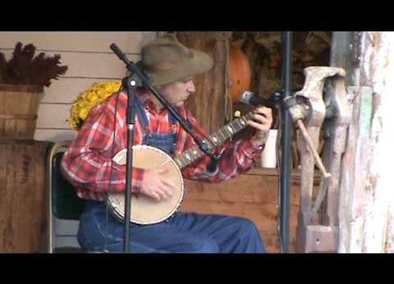 "Leroy Troy ""New River Train"" and banjo tricks!!      - YouTube"