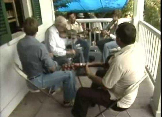 Tommy Jarrell: Cotton-Eyed Joe (1983)      - YouTube