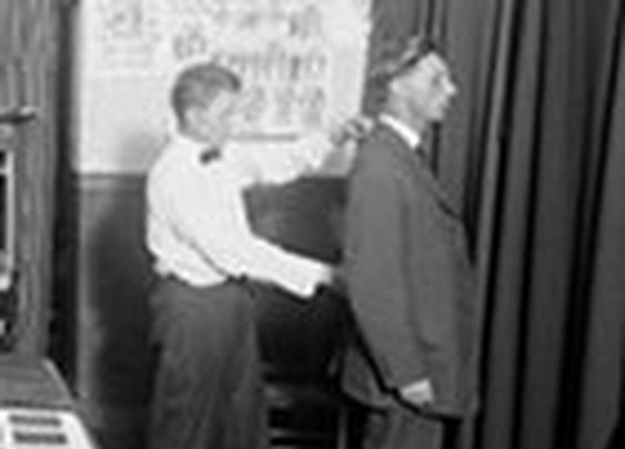 How to Measure a Man For Clothing (Plus Bonus Measuring Card) | The Art of Manliness