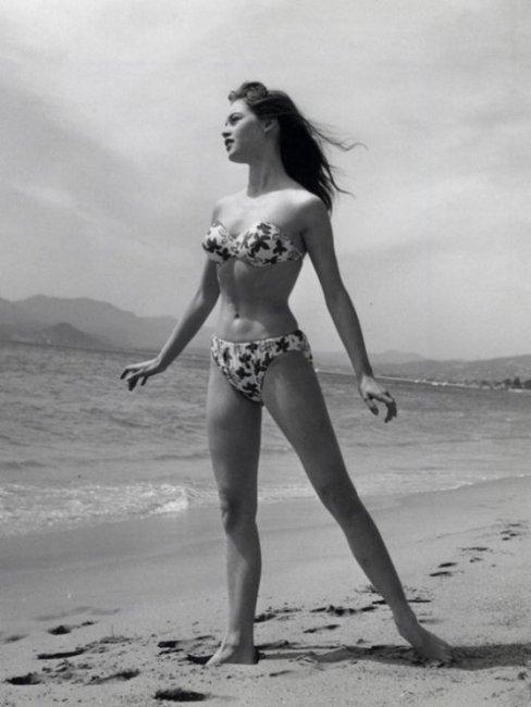Brigitte Bardot at Cannes, 1953 | Retronaut