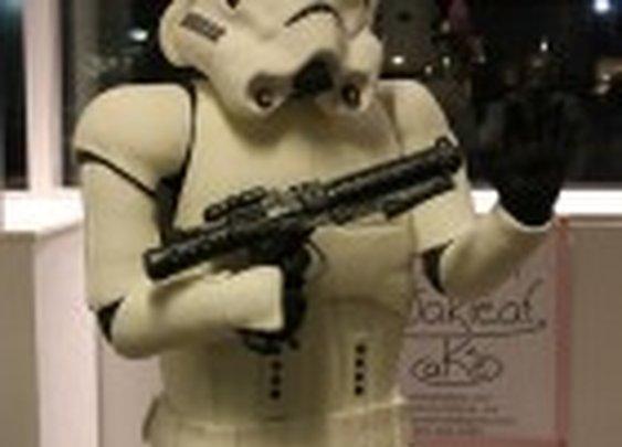 Life-size Stormtrooper cake | FoodOddity