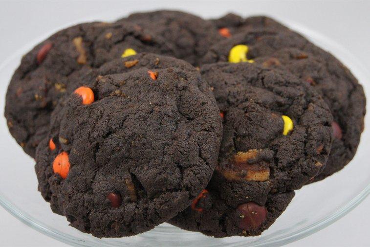 chocolate peanut bacon cookies