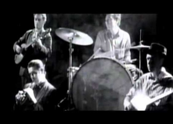 "The Pogues ""Fairytale of New York""      - YouTube"