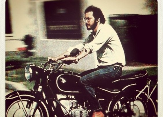 Steve Jobs (27) in 1982 rockin' a 1966 BMW motorcycle - hrbrt.me