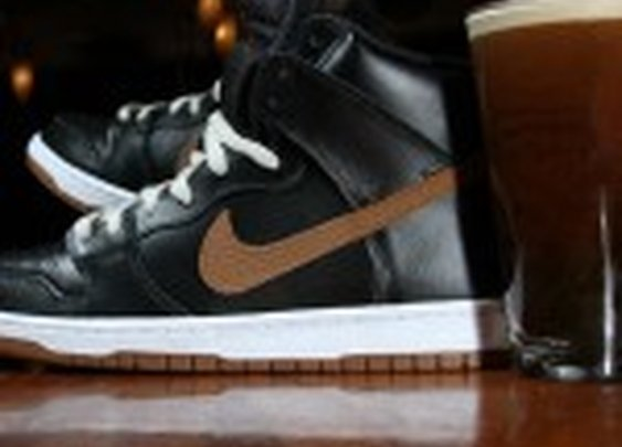 "Nike SB Dunk High ""Guinness"" 