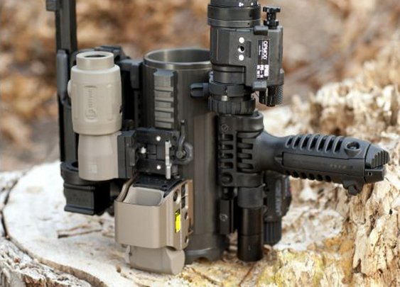 Tactical Beer Mug With Scope Mounts, AR-15 Handle | Geekologie