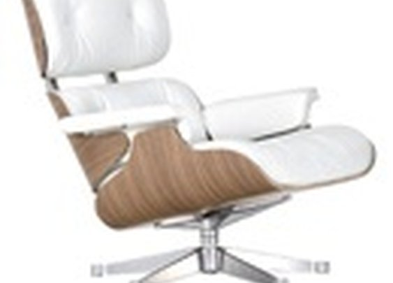 Vitra Lounge Chair White Ottoman  by Charles & Ray Eames, 1956 - Designer furniture by smow.com