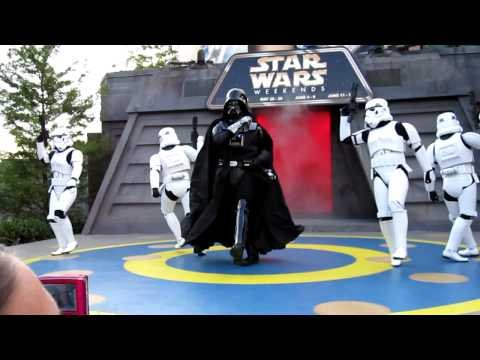 """Darth Vader Dances to """"Beat It""""      - YouTube"""