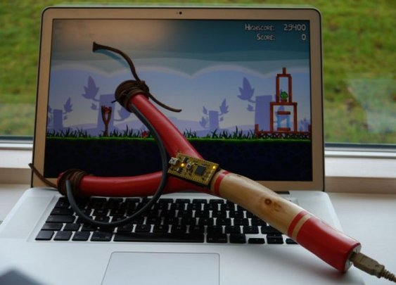 Play Angry Birds with a DIY USB slingshot