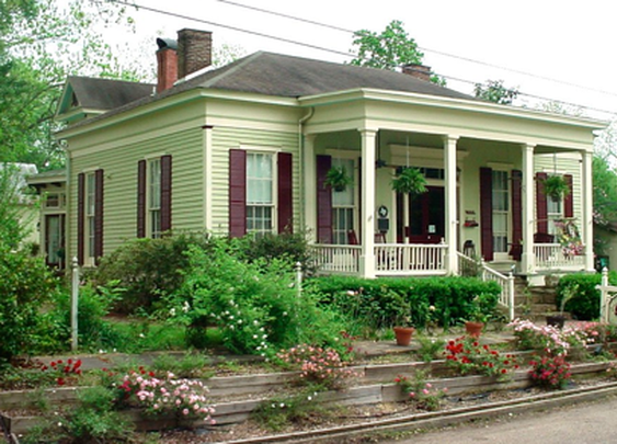 Alley-McKay House Bed & Breakfast Inn306 E Delta St, Jefferson, Texas 75657 - 800.468.2627