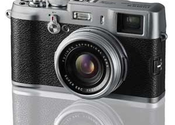 Amazon.com: Fujifilm X100 12.3 MP APS-C CMOS EXR Digital Camera with 23mm Fujinon Lens and 2.8-Inch LCD: Camera & Photo