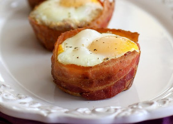 Bacon wrapped eggs and toast cups