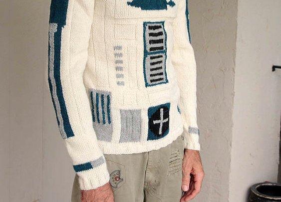 R2D2 sweater