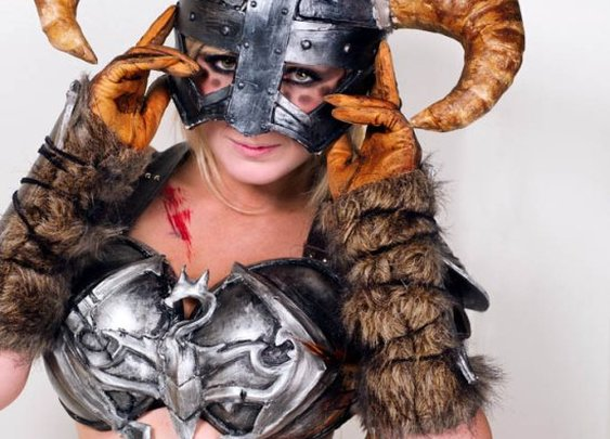 Fus!: Splendid DragonBorn CosPlay