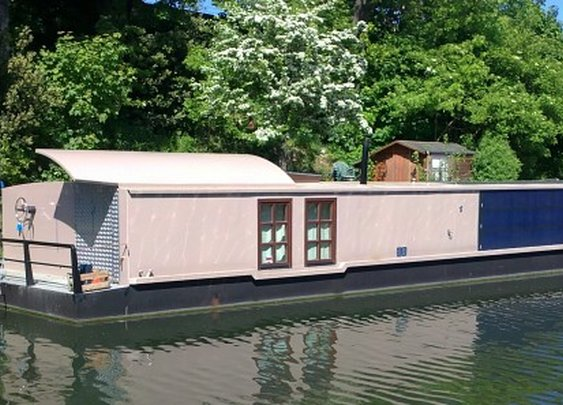 Life at a slower pace, with the solar-powered Bauhaus Barge