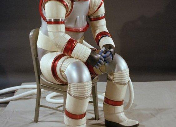 Dress to impress - Hardsuit AX-3 (1977)