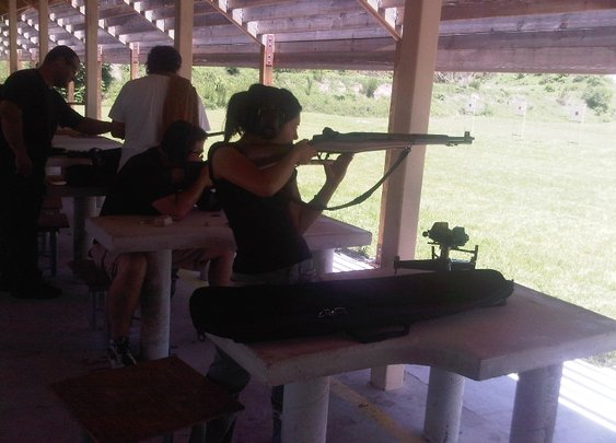 Gabby Franco (Top Shot Season 4) shooting an M1 Garand