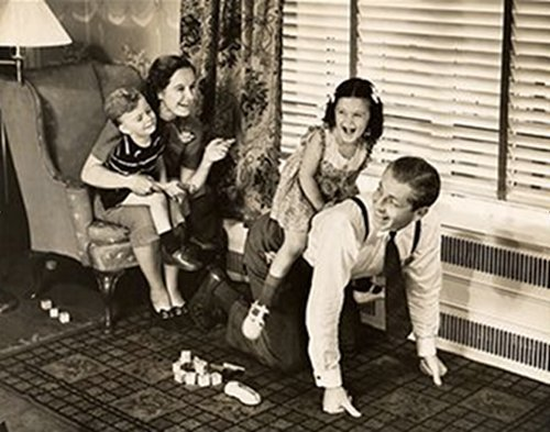 The Importance of Roughhousing With Your Kids | The Art of Manliness