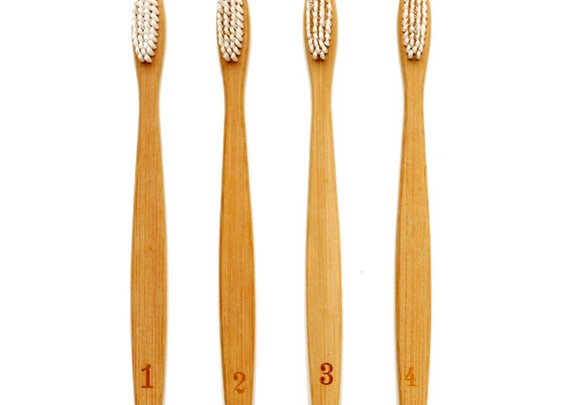 Numerals Toothbrush Set   Izola