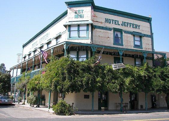 Historic Hotel Jeffery
