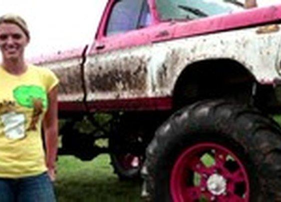 Mud Ridin' Girls