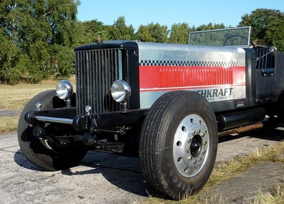 Tri-Axle Two-Stroke Diesel Truck Hot Rod