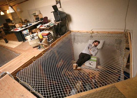 15 Crazy Creative Beds
