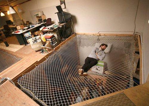 15 Crazy Creative Beds