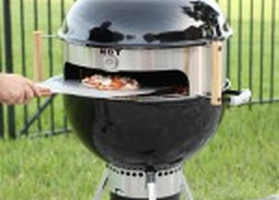 KettlePizza Turns an Ordinary Kettle Grill into an Outdoor Oven
